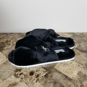 Hollister ▪Faux fur Slippers
